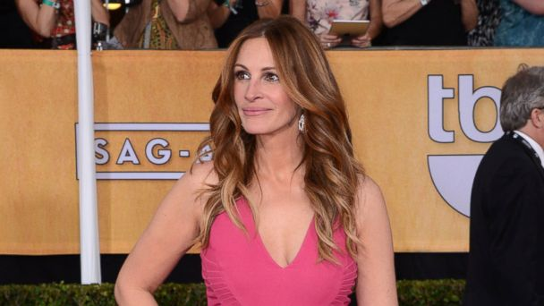 PHOTO: Actress Julia Roberts arrives at the 20th Annual Screen Actors Guild Awards at The Shrine Auditorium, Jan. 18, 2014 in Los Angeles.