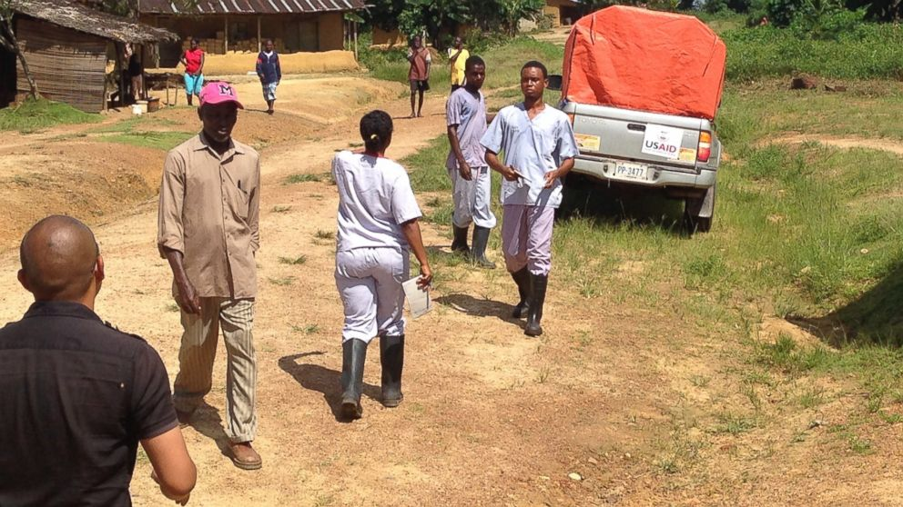 PHOTO: ABC News Chief Health and Medical Editor Dr Richard Besser is embedded with health workers in Liberia as they travel from town to town with a makeshift ambulance to find Ebola patients and bring them to treatment facilities.