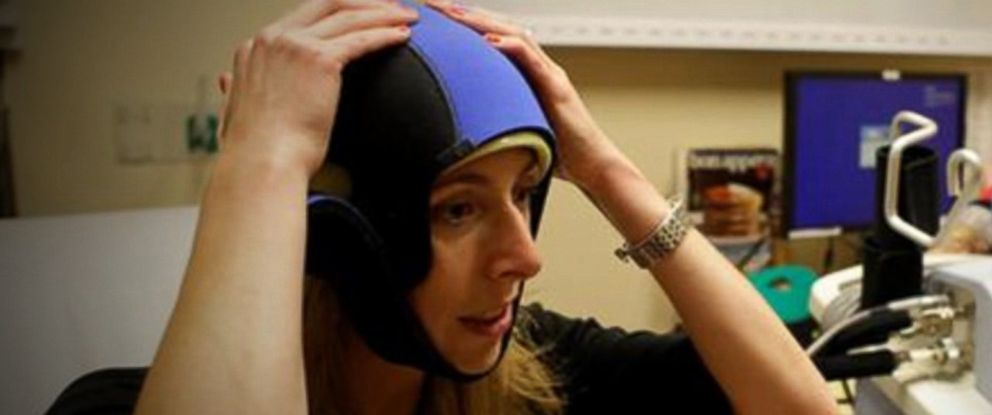 PHOTO: FDA clears cooling cap to save hair during chemotherapy.