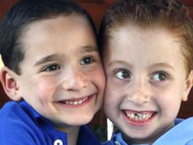 PHOTO: Dylan Siegel, left, has raised more than half a million dollars to help Jonah Pournazarian, right, his friend who suffers from a rare liver disease.