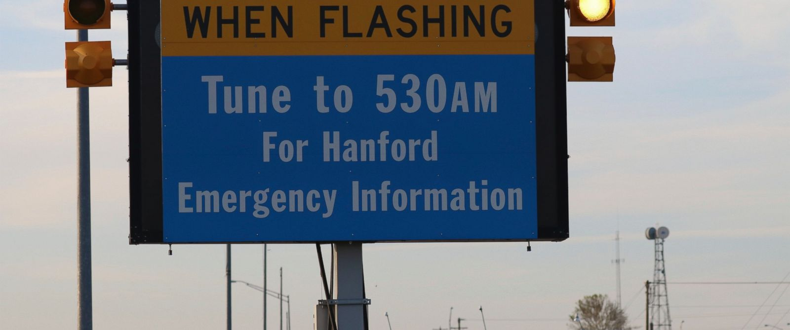 PHOTO: An emergency sign flashes by the Hanford Nuclear Reservation, May 9, 2017, in Richland, Wash.