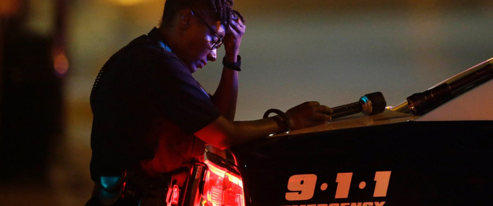 stress in police Stress training for cops' brains could reduce suspect shootings police shot terence crutcher, an unarmed man, and police academies often do not prepare officers to.