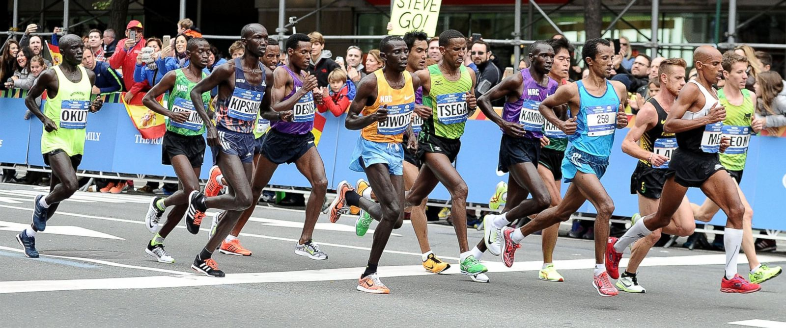PHOTO  Marathon partic...