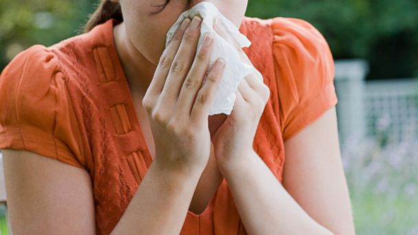 PHOTO: If allergy drugs turn you into a zombie, reach for these natural remedies.