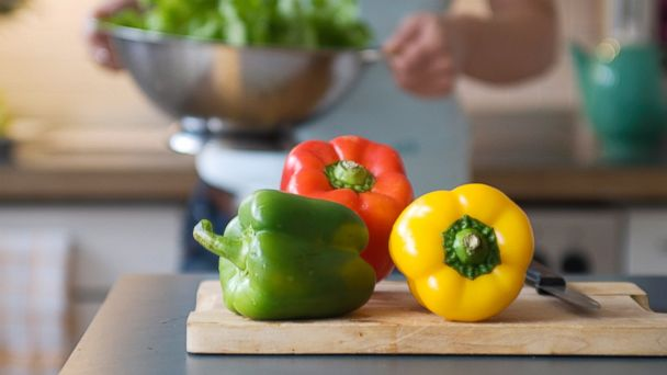 PHOTO: Green and red bell peppers contain more vitamin C than an orange.