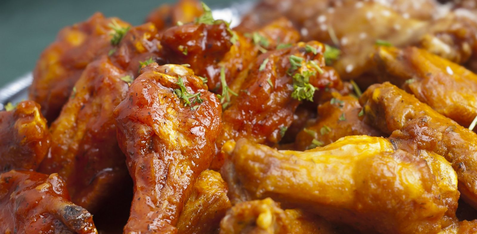PHOTO: A study found people who eat boneless chicken wings consume 35 percent more calories.