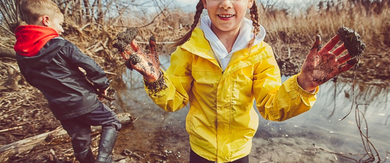 "PHOTO: In the book ""Let Them Eat Dirt: Saving Your Child from an Oversanitized World,"" researchers B. Brett Finlay and Marie-Claire Arrieta argue that allowing children to get dirty exposes them to healthy germs and can actually be good for them."