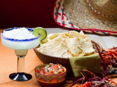 9 Food Swaps for a Healthier Cinco de Mayo