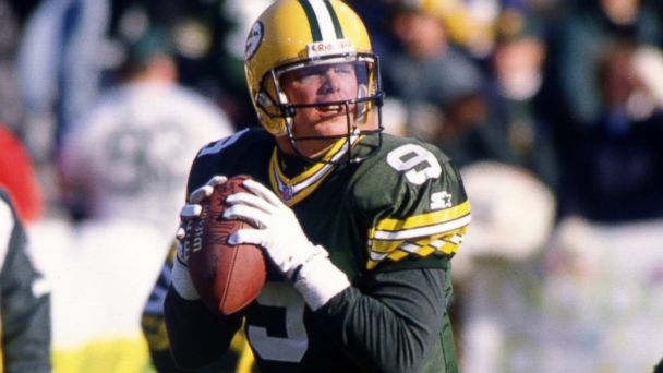 PHOTO: Jim McMahon of the Green Bay Packers warms up prior to a game against the Cincinnati Bengals at Lambeau Field in Green Bay, Wis., Dec. 31, 1995.