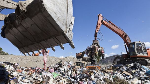 PHOTO: Pollution may contribute to the obesity epidemic by hamper gut bacteria.