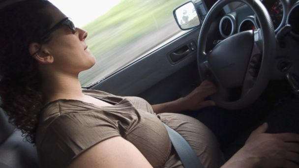 GTY pregnant driving sr 140512 16x9 608 Pregnancy Tied to Car Crash Risk, Study Finds