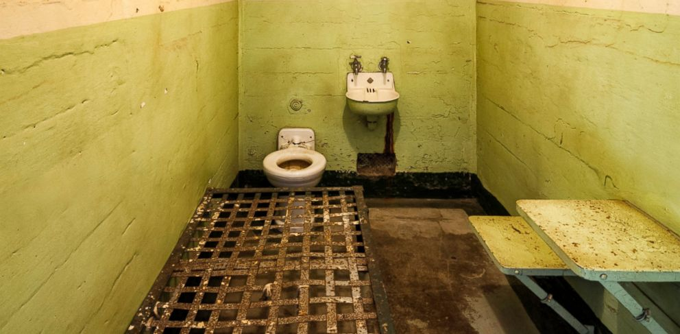 PHOTO: Eight inmates have been sickened with botulism poisoning from wine they made in their jail cell.