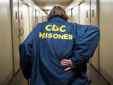 Photos: Intimate Look at Aging Prisoners in the US