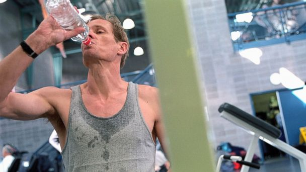 PHOTO: During a daily workout, hydrating with water is better than sports drinks.