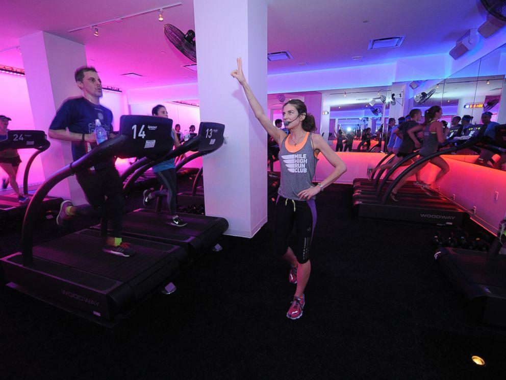 PHOTO: Debora Warner coaches a treadmill class at the Mile High Run Club in New York City.