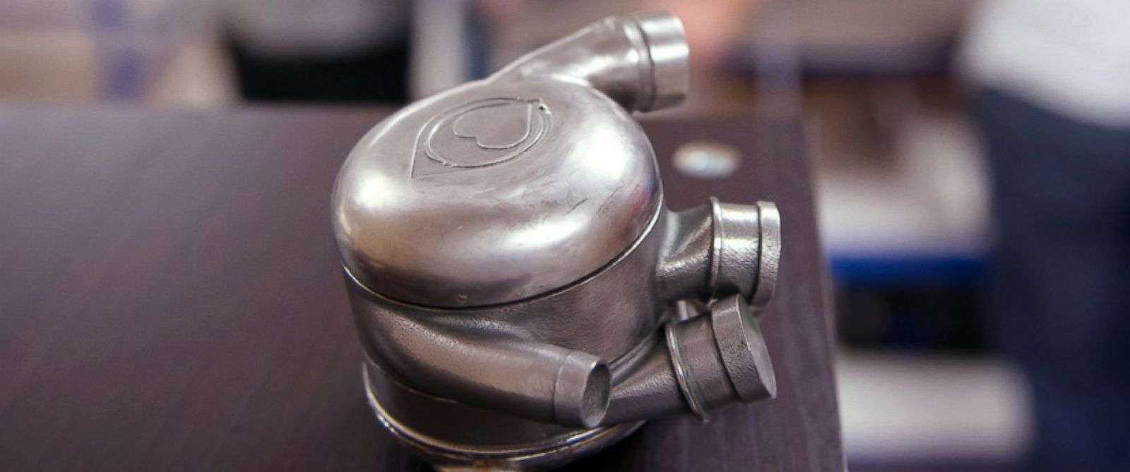 PHOTO: Scientists at the Texas Heart Institute are working to create a permanent artificial heart.