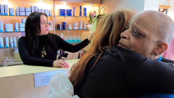 HT monday at racine tk 131014 16x9 608 Beauty Parlor That Helps Cancer Patients Has Appointment With HBO