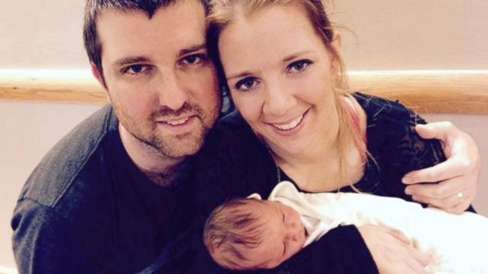 PHOTO: Rachelle and Chris Chapman with their new baby, Kaylee Rae.