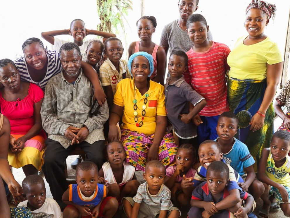 PHOTO: Beatrice Yardolo poses for a family photo after she was released from an Ebola treatment unit in Monrovia, Liberia on March 5, 2015.