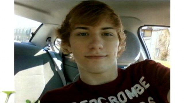 VIDEO: Mom says son Austin Mueller, 18, was depressed.