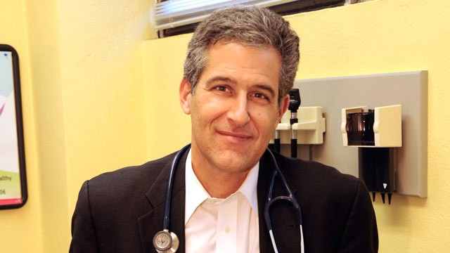 PHOTO: ABC News' chief health and medical editor Dr. Richard Besser hosts a weekly Twitter Chat on public health topics in the news.