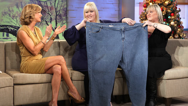 "PHOTO: Natalie Strawn, center, and her mother, visit the set of ""Good Morning America"" to talk about her weight loss."
