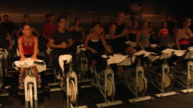 VIDEO: Team participates in a charity cancer spin class at SoulCycle in New York City.