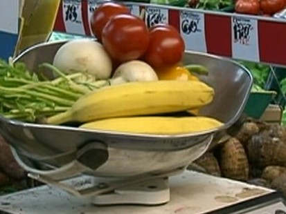 Video: New study shows that eating fruits and veggies doesnt decrease cancer risks.a
