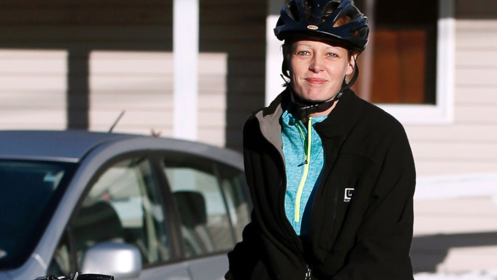PHOTO: Nurse Kaci Hickox leaves her home on a rural road in Fort Kent, Maine, to take a bike ride with her boyfriend Ted Wilbur, Oct. 30, 2014.