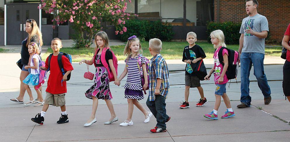 PHOTO: Plaza Towers Elementary school students