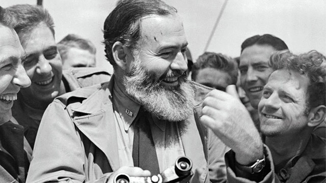 PHOTO: Ernest Hemingway with G.I.s