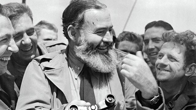 PHOTO: Ernest Hemingway with G.I.s