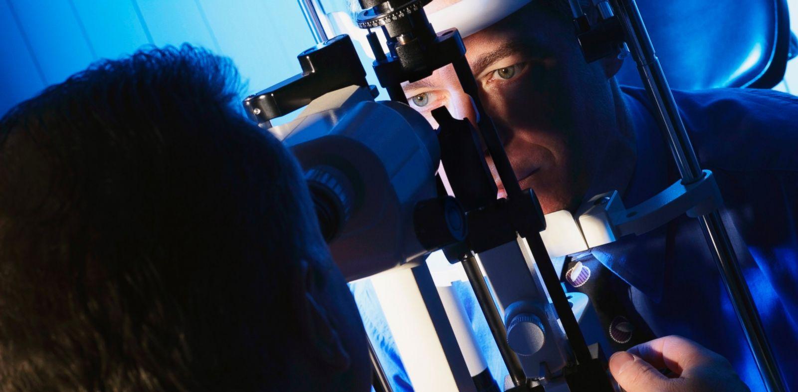 PHOTO: Your eyes vessels can help identify hidden health dangers.