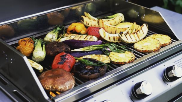 PHOTO: Grilling vegetables can help with healthy summer eating.