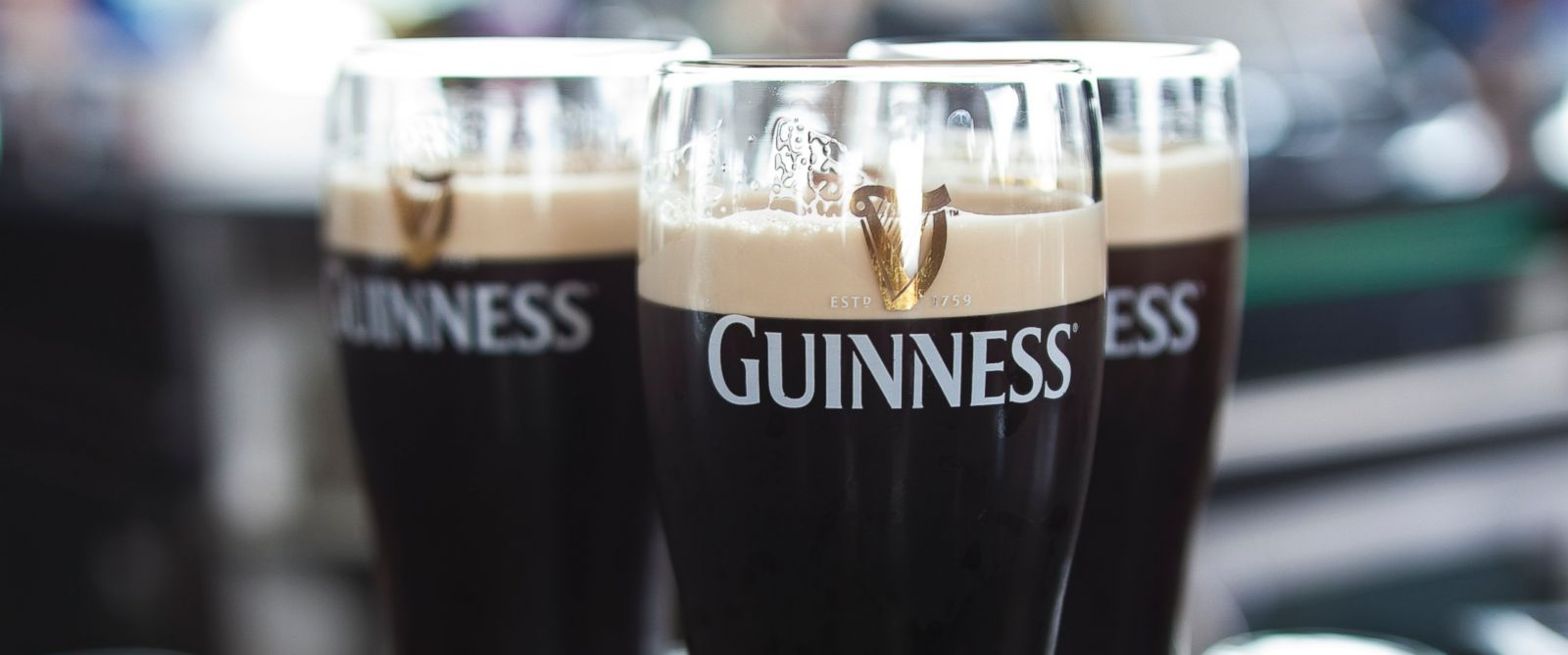 Guinness goes vegan what you didn 39 t know was in your beer for Fish bladder in beer