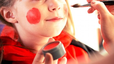 PHOTO: Girl has her face painted.