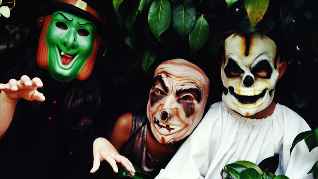 photo three children wear halloween masks - Kids Halloween Masks