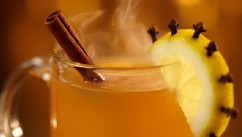 PHOTO: Hot toddies can actually give cold and flu patients relief from their symptoms.