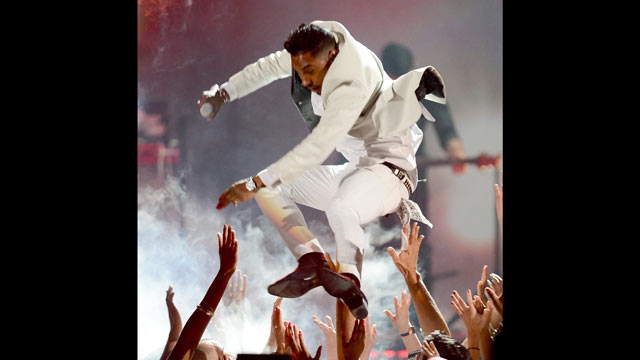 PHOTO: Singer Miguel performs onstage during the 2013 Billboard Music Awards at the MGM Grand Garden Arena on May 19, 2013 in Las Vegas.