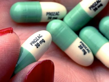 Doctors Urge End of 'Black Box' Warning on Antidepressants