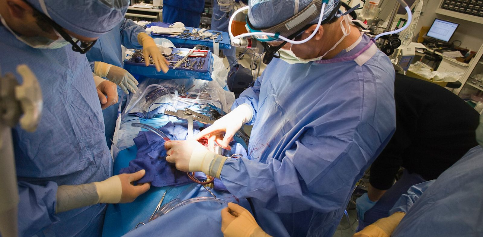PHOTO: Doctors operating on patient