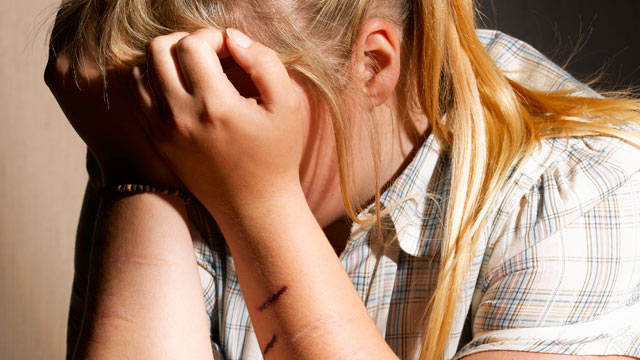 PHOTO: Some teens harm themselves when dealing with difficulties.