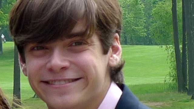 PHOTO: Nicholas Vanech, 18, had a severe allergic reaction to M&amp;Ms almost 10 years ago because they didn't say they could contain tree nuts.