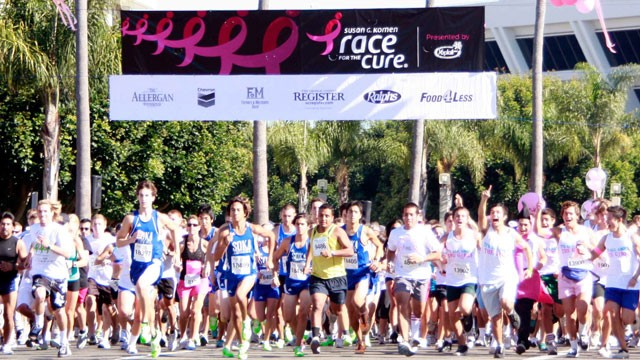 PHOTO: Runners at the starting line of the Komen Race for the cure.