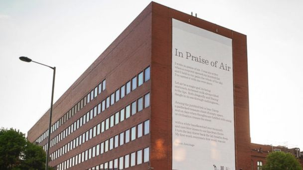 ht air poem 1 sr 140521 16x9 608 Billboard Pushes Clean Air With Poetry, Pollution Eating Particles