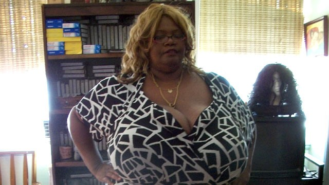 PHOTO: Annie has the world?s largest breasts, size 102ZZZ