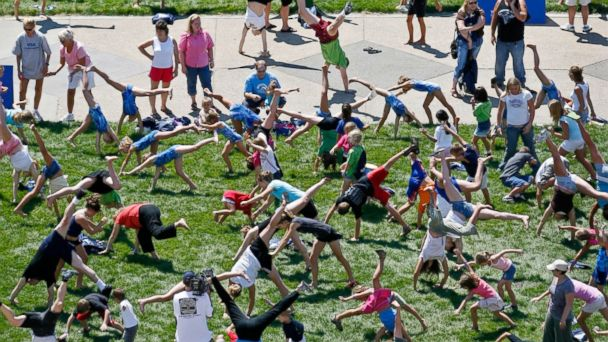 ht cartwheels kab 140604 16x9 608 Olympian Gabby Douglas Attempts Cartwheel Record