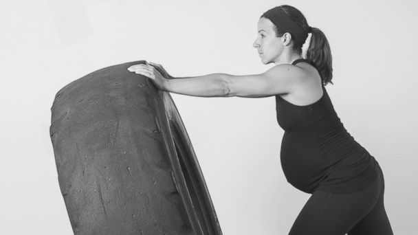 ht crossfit pregnancy kb 140407 16x9 608 Does This New Book Take Exercise During Pregnancy Too Far?