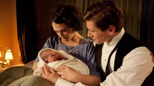 PHOTO: Jessica Brown Findlay plays Lady Sybil Crawley and Allen Leech plays Tom Branson in