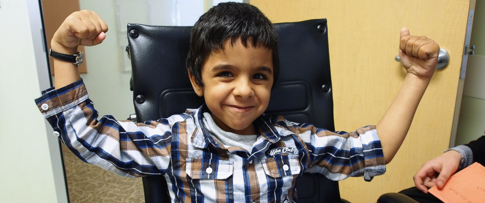 PHOTO: Hadi Alkhadra, 6, was born with a condition called arthrogryposis, which locked his joints and prevented him from walking.